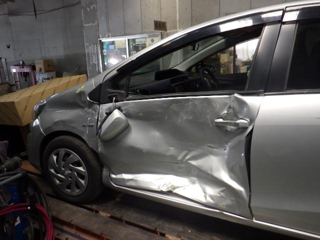 鹿児島市 トヨタアクアの側面大破車を修理しました。
