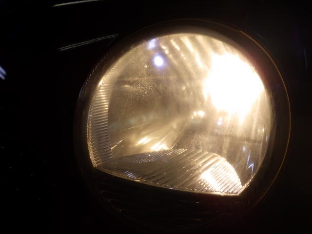 ダイハツムーブラテのヘッドライトの黄ばみ,白濁除去(ドリームコート)