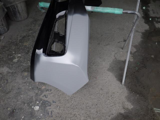 ホンダブレイドのバンパーの穴開き修理をしました。
