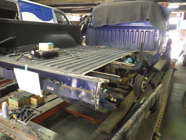 H11年式 トヨタ ハイラックス 後部修理