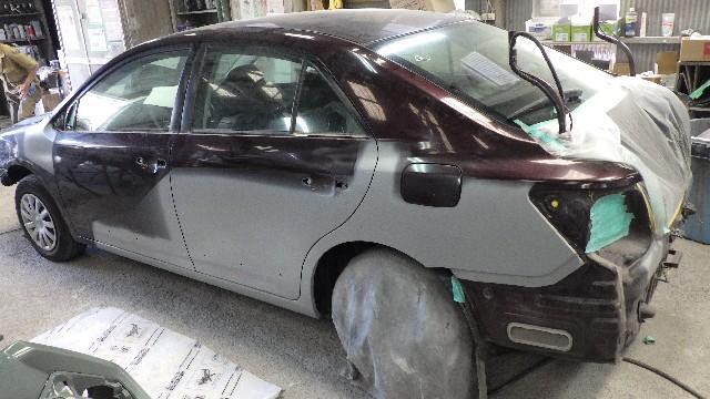 トヨタプレミオの全塗装をしました。