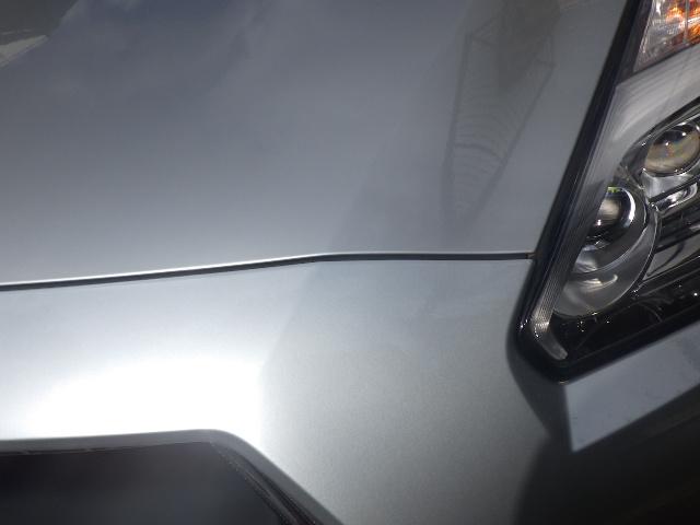 日産GT-R R35のバンパーを塗装しました。