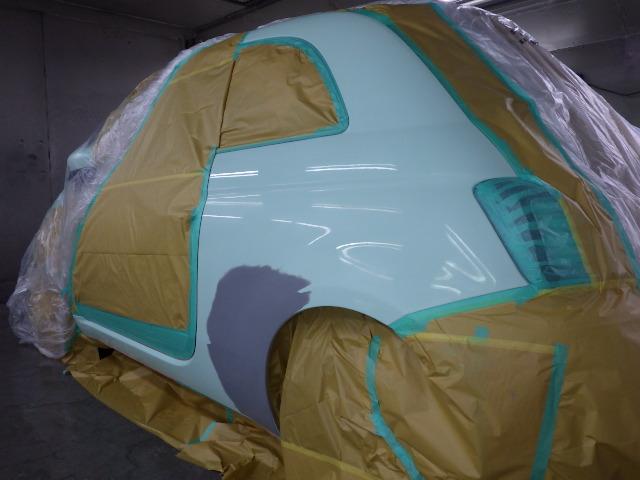 フィアット500(Fiat500)の左後部を修理しました。